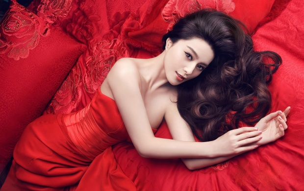 Fan Bingbing In Red (click to view)