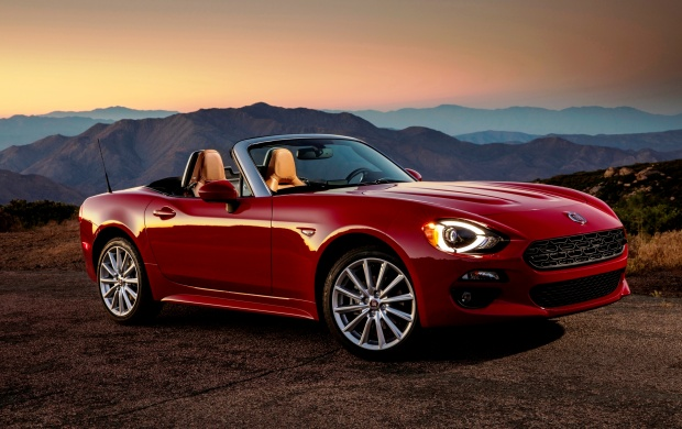 Fiat 124 Spider Lusso Front 2017 (click to view)