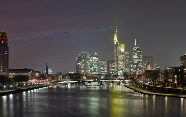 Frankfurt Skyline Germany (click to view)