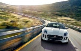 Front View Jaguar F-Type R Coupe 2015