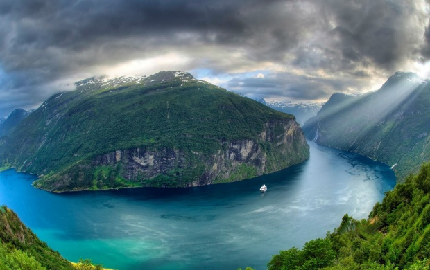Geirangerfjord (click to view)