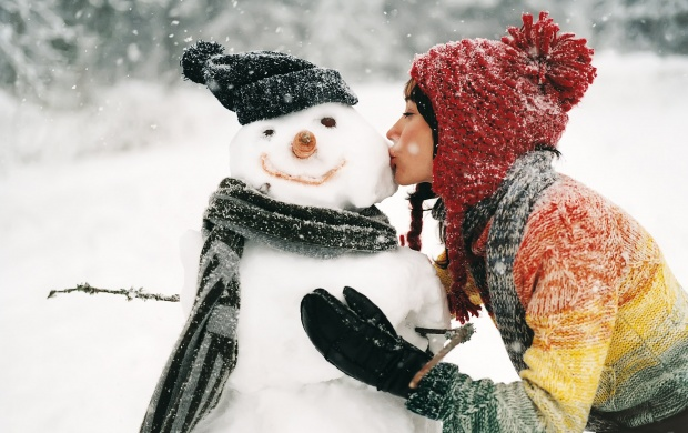 Girl Kissing Snowman (click to view)