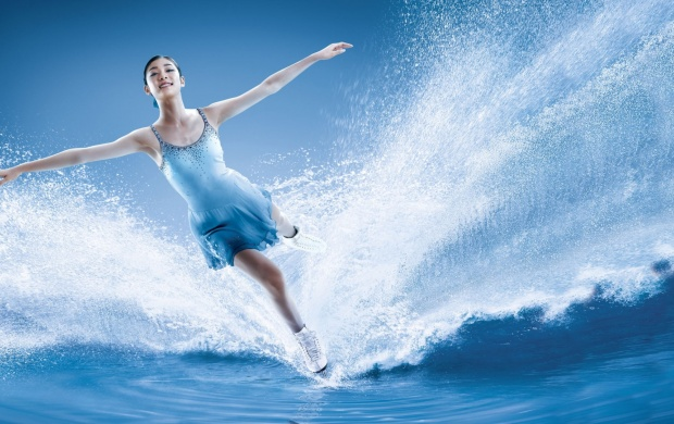 Girl Water Skating (click to view)