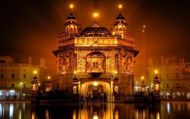 Golden Temple Amritsar (click to view)