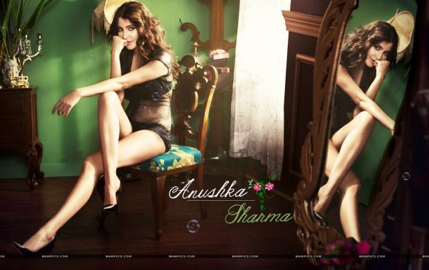 Gorgeous Anushka Sharma (click to view)