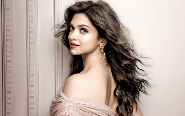 Gorgeous Deepika Padukone (click to view)