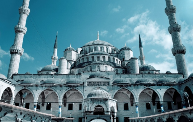 Grand Sultan Ahmed Mosque Istanbul (click to view)