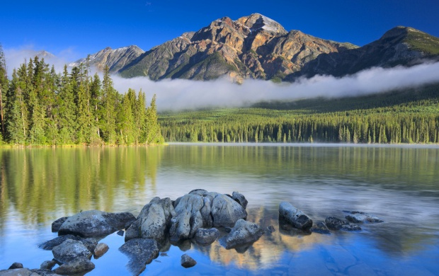 Grande Cache Mountains Lake (click to view)