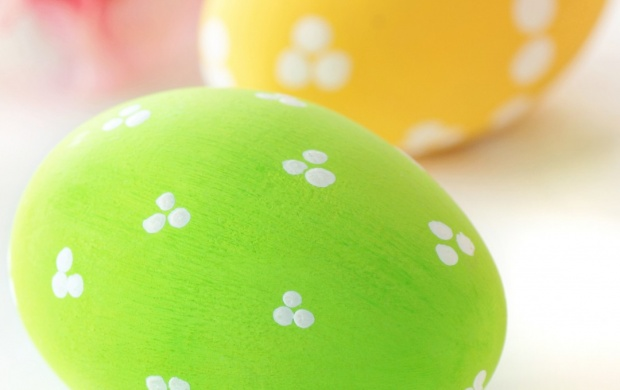 Green Yellow Easter Eggs 2015 (click to view)