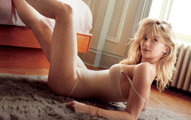 Haley Bennett 2016 (click to view)