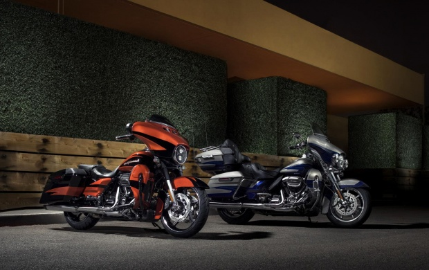 Harley-Davidson CVO Limited 2017 (click to view)
