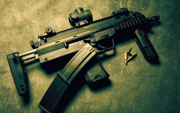 Heckler & Koch MP7 (click to view)