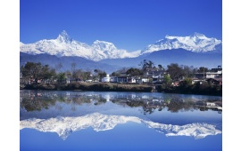 Himalaya Mountain Lake Reflecation
