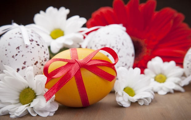 Holidays Easter Flowers And Eggs (click to view)