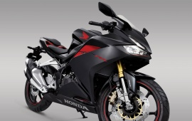 Honda CBR250RR 2017 Front Right View
