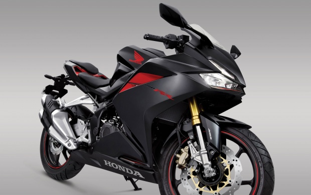 Honda CBR250RR 2017 Front Right View (click to view)