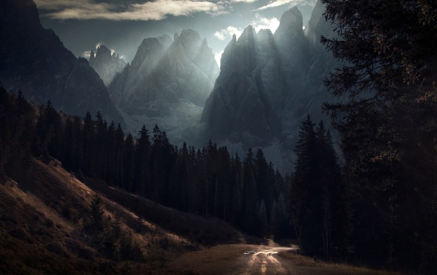Huge Mountains And Sun Rays (click to view)