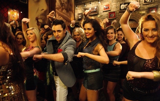 Imran And Esha Gupta Dance (click to view)