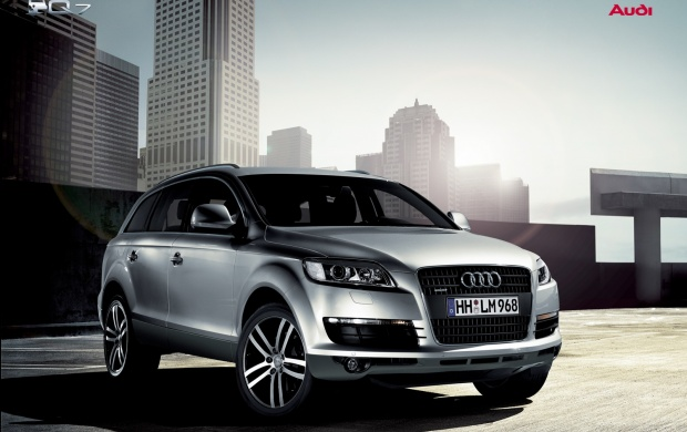 In Front Audi Q7 in town (click to view)