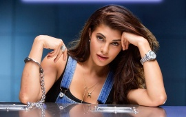 Jacqueline Fernandez Hd Wallpapers Free Wallpaper Downloads
