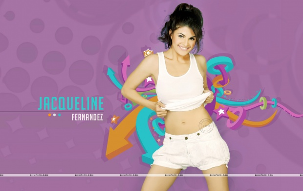 Jacqueline Fernandez Smiling Face (click to view)