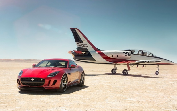 Jaguar F Type R AWD Coupe With Plane 2016 (click to view)