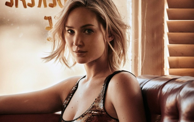Jennifer Lawrence Vogue (click to view)
