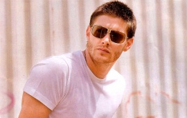 Jensen Ackles With Sunglasses