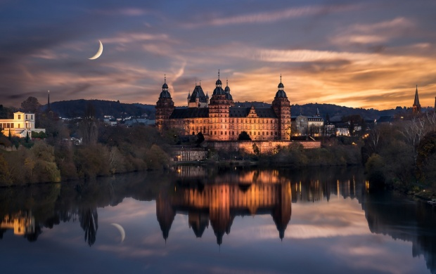 Johannesburg Castle Night Germany (click to view)