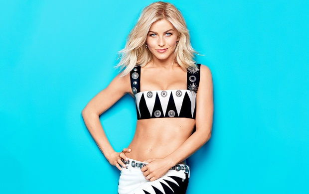 Julianne Hough Cosmopolitan 2016 (click to view)