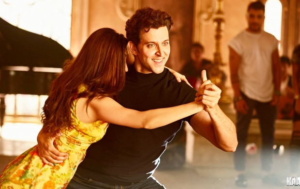 Kaabil Movie Dance (click to view)