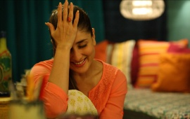 Kareena Kapoor In Dil Duffer Song
