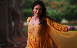 Kareena Kapoor Khan In Yellow Salwar