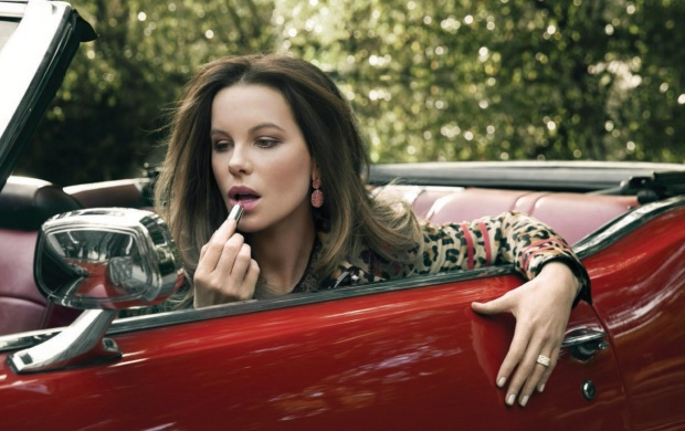 Kate Beckinsale As If 2016 (click to view)