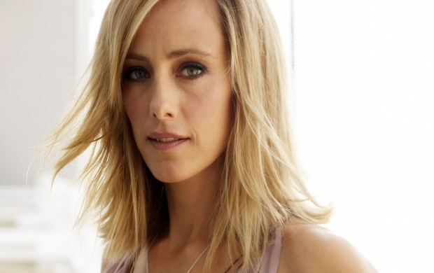Kim Raver (click to view)