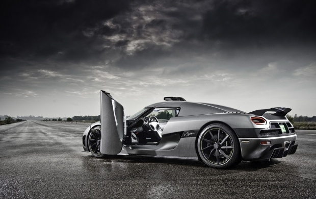 Koenigsegg Agera (click to view)