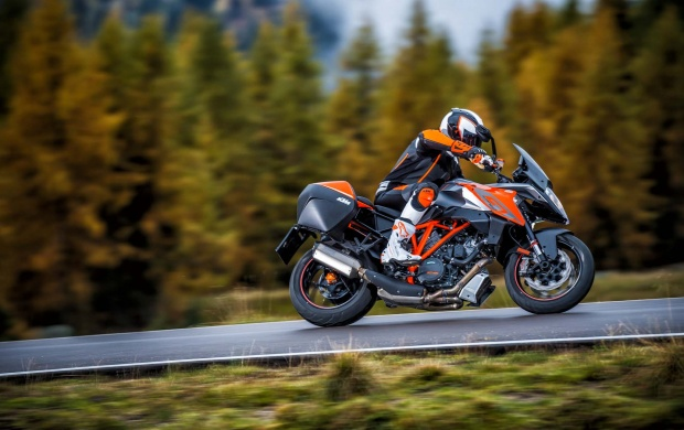 KTM 1290 Super Duke GT (click to view)