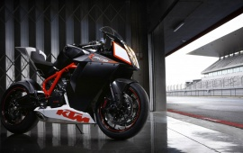 KTM RC8 Motorcycle Side View