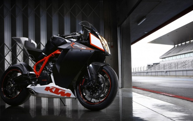 KTM RC8 Motorcycle Side View (click to view)