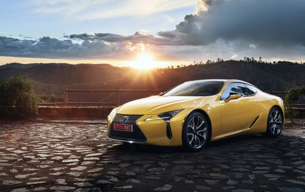 Lexus LC 500 Yellow Car 2018 (click to view)