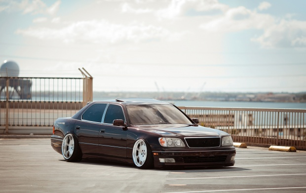 Lexus Sedan (click to view)