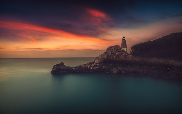 Lighthouse Rocks The Sky (click to view)