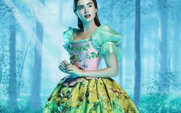 Lily Collins As Snow White (click to view)