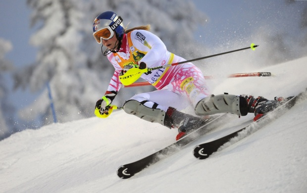 Lindsey Vonn Skiing (click to view)