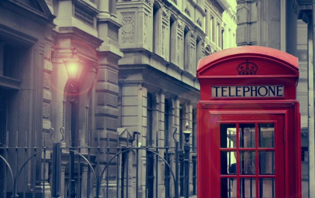 London Phone Booth (click to view)