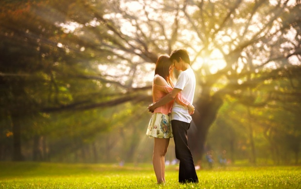 Love Couple Morning Hug (click to view)