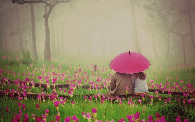 Love Couple With Pink Umbrella (click to view)