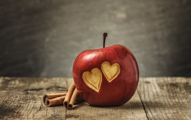 Love Heart On Sweet Apple (click to view)