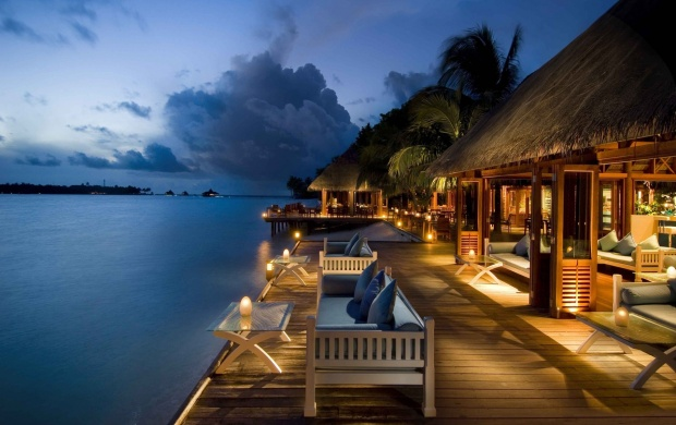 Maldives Beach Houses (click to view)