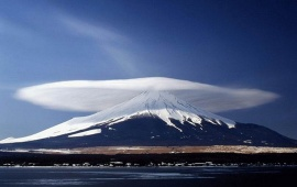 Marvelous Lenticular Clouds